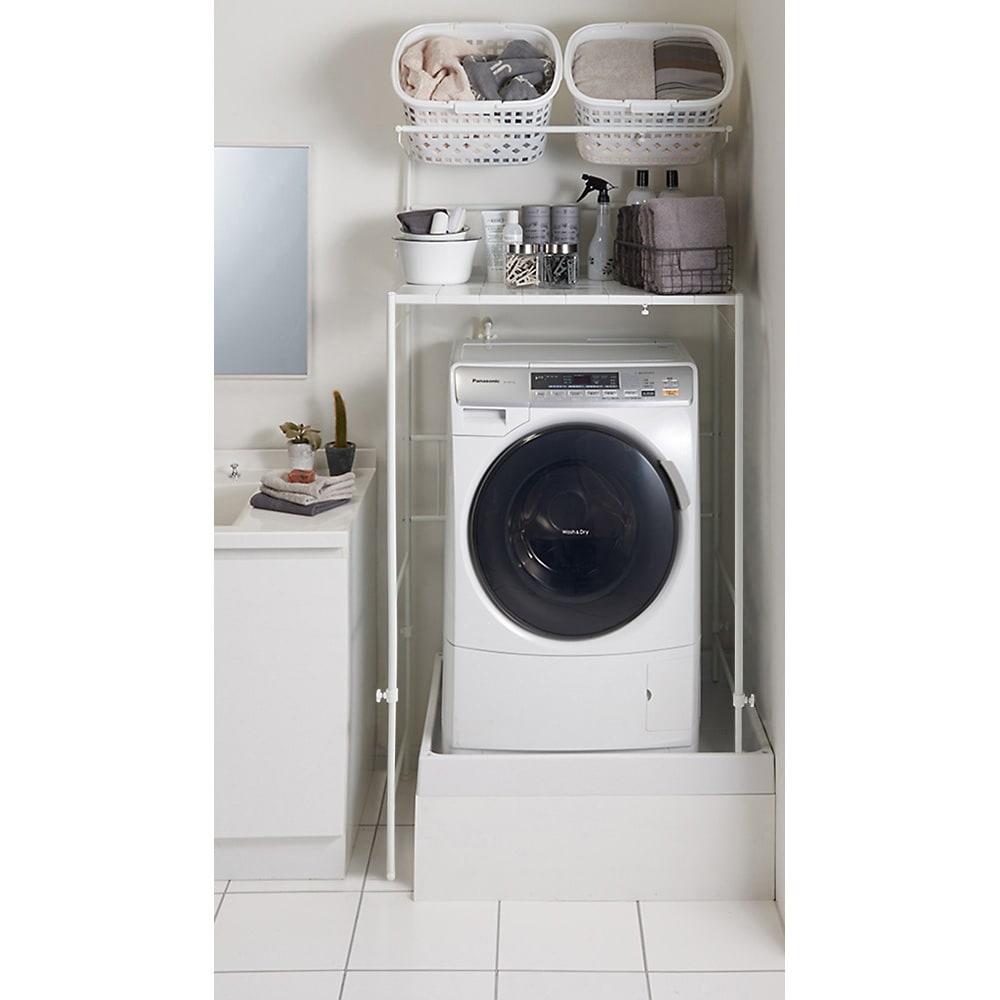 32cmまでの段差対応 奥行たっぷりランドリーラック 棚1段・バスケット2個 洗濯機と洗面台の間のわずかな隙間に設置可能です。
