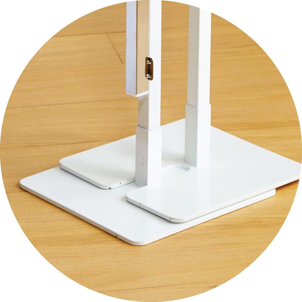 コンパクトに収納 2WAY物干しポールハンガー ダブル 脚部が重なり合う構造なので簡単に収まります。