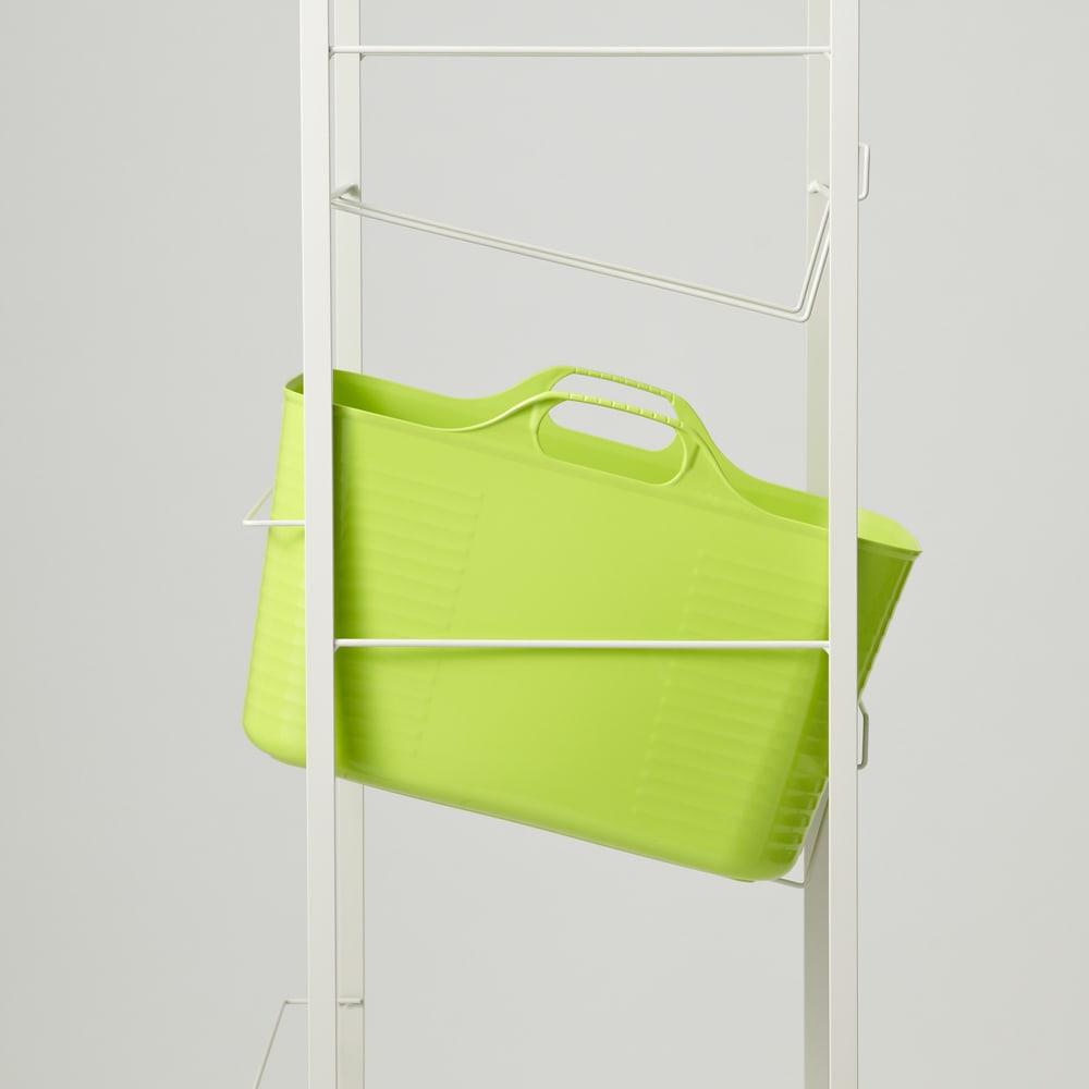 洗濯物の仕分けに便利 大きなバスケットのランドリーワゴン 2段 洗濯物を取り出しやすい斜め置きにも設定できます。 (※色は見本です)
