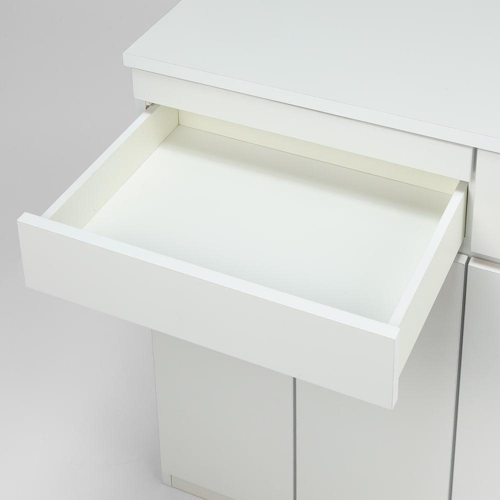 ふた開閉機能付き分別ダストボックス 3分別 幅73.5cm 引き出しの内部も化粧仕上げを施しています。