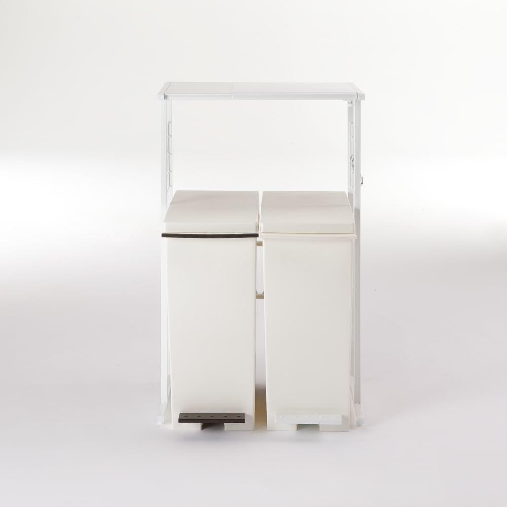 幅が伸縮する作業台ラック ワイドタイプ 奥行30cm 幅51cm~80cm 下にゴミ箱も置けます。 ※写真はワイドタイプ奥行30cmです。お届けはラックのみです。