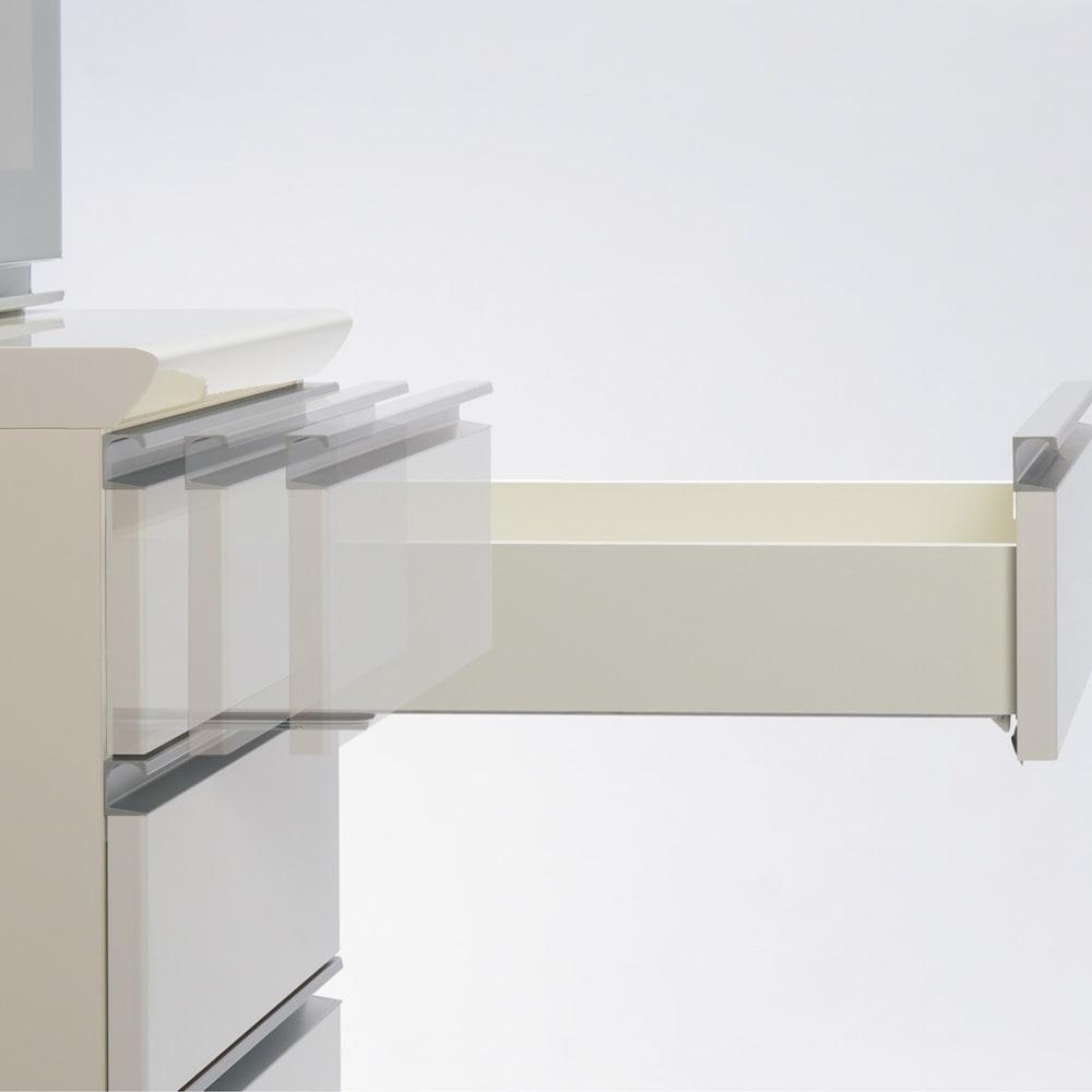 サイズが豊富な高機能シリーズ 板扉タイプ 食器棚引き出し4杯 幅40奥行50高さ187cm/パモウナ DZ-400KL DZ-400KR 引き出しは、全段ゆっくり閉まるサイレントシステムを採用。