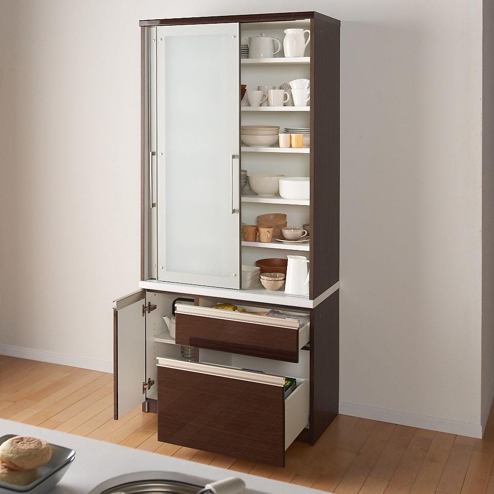 たっぷり大型引き戸収納 引き戸収納庫・幅88cm (イ)ダークブラウンコンパクトサイズでもキッチンのあれこれをまとめて収納できるたっぷりボリューム。