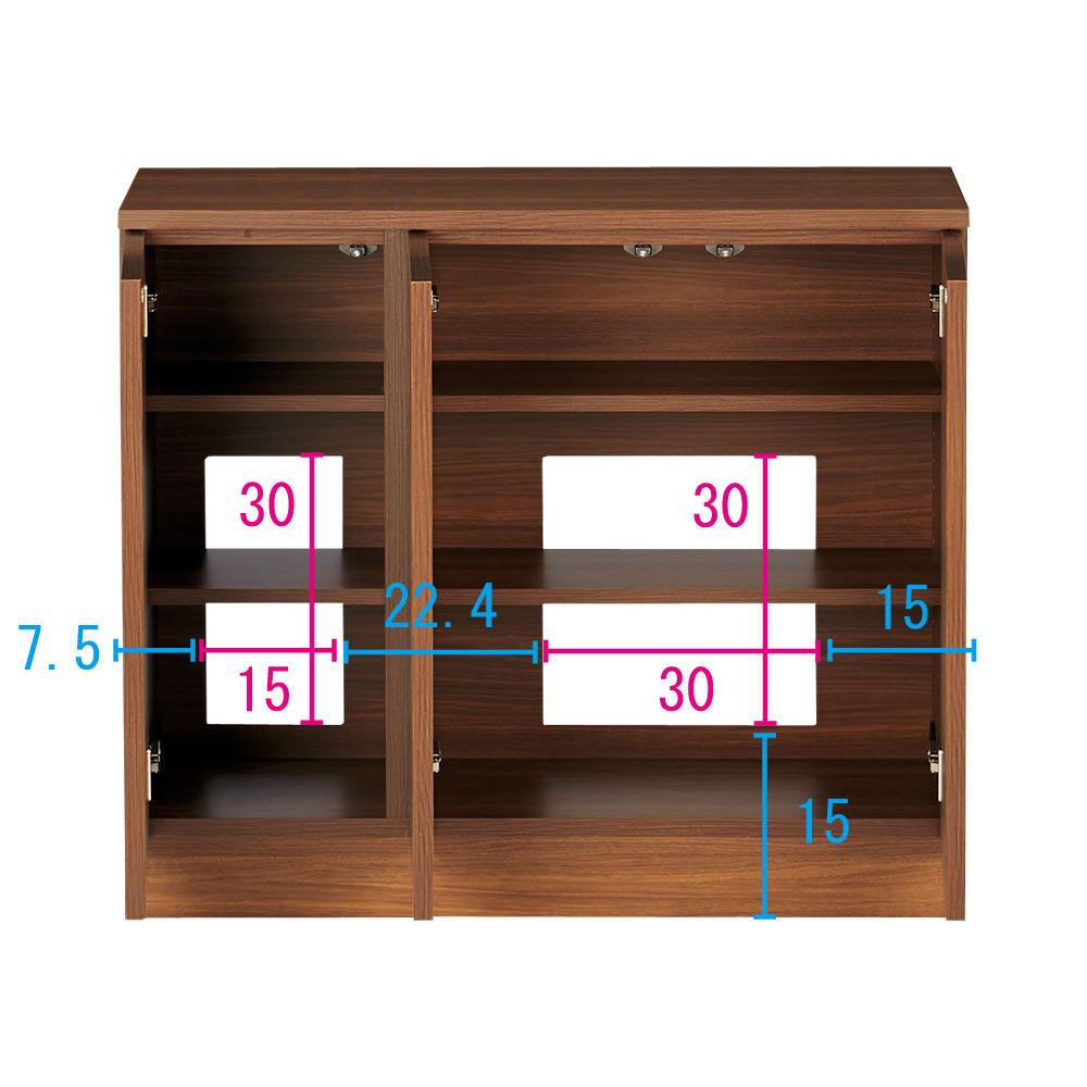 配線すっきりカウンター下収納庫 3枚扉 《幅90cm・奥行25cm・高さ77~103cm/高さ1cm単位オーダー》 (ウ)ウォルナット コンセントを生かす工夫 コンセントの高さ部分に背板がないので、壁にぴったり付けてもコンセントが使えます。 ※赤文字は内寸 青字は外寸(単位:cm)