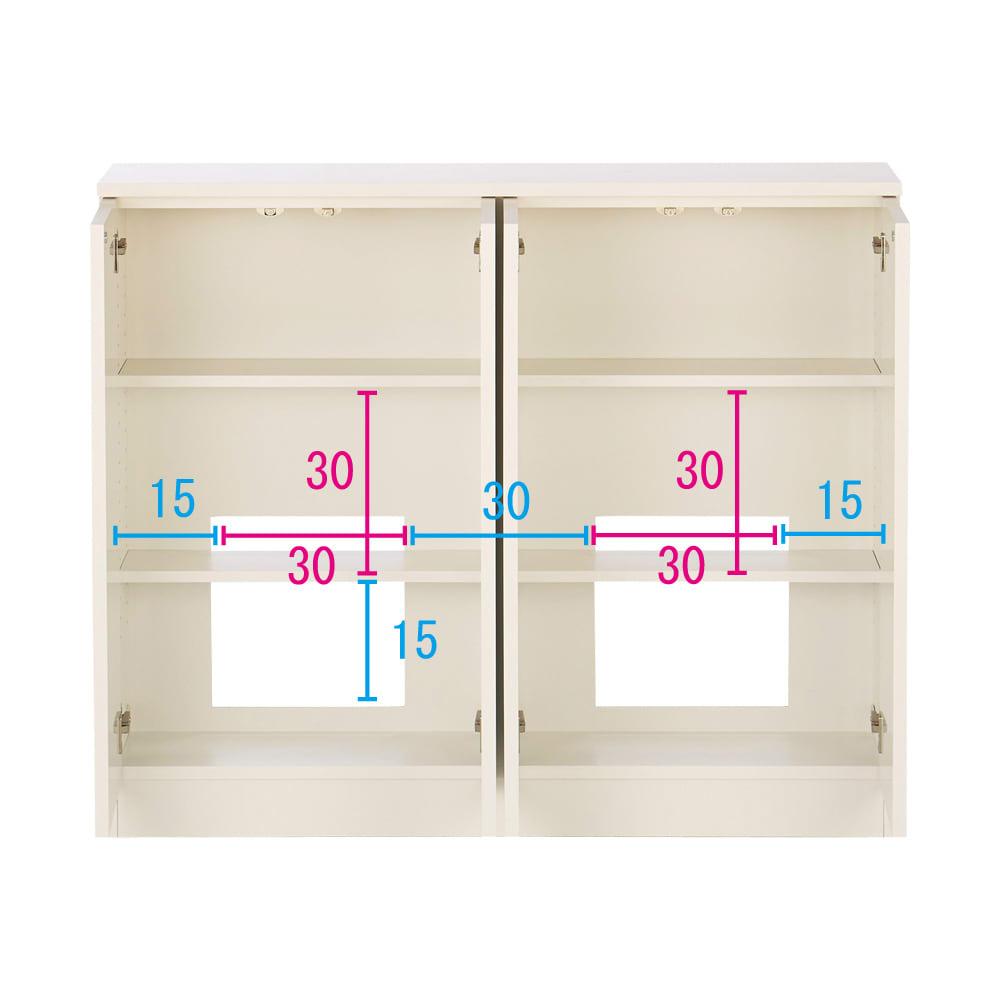 配線すっきりカウンター下収納庫 4枚扉 《幅120cm・奥行30cm・高さ77~103cm/高さ1cm単位オーダー》 (ア)ホワイト コンセントを生かす工夫 コンセントの高さ部分に背板がないので、壁にぴったり付けてもコンセントが使えます。 ※赤文字は内寸 青字は外寸(単位:cm)