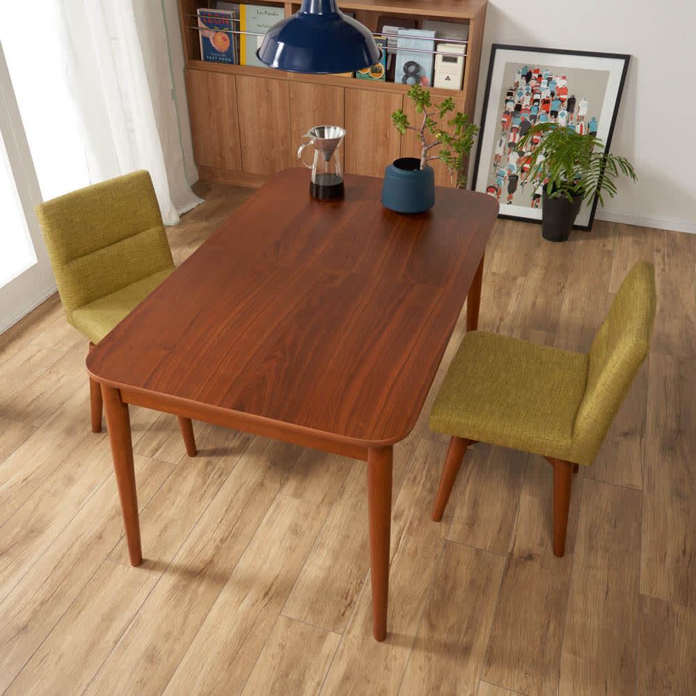 ウォールナット伸長式ダイニング ダイニングセット 伸長式テーブル お得な3点セット 伸長式テーブル・幅110・150cm+ファブリック回転チェア2脚組 コーディネート例(イ)グリーン ※テーブルは通常時幅110cm
