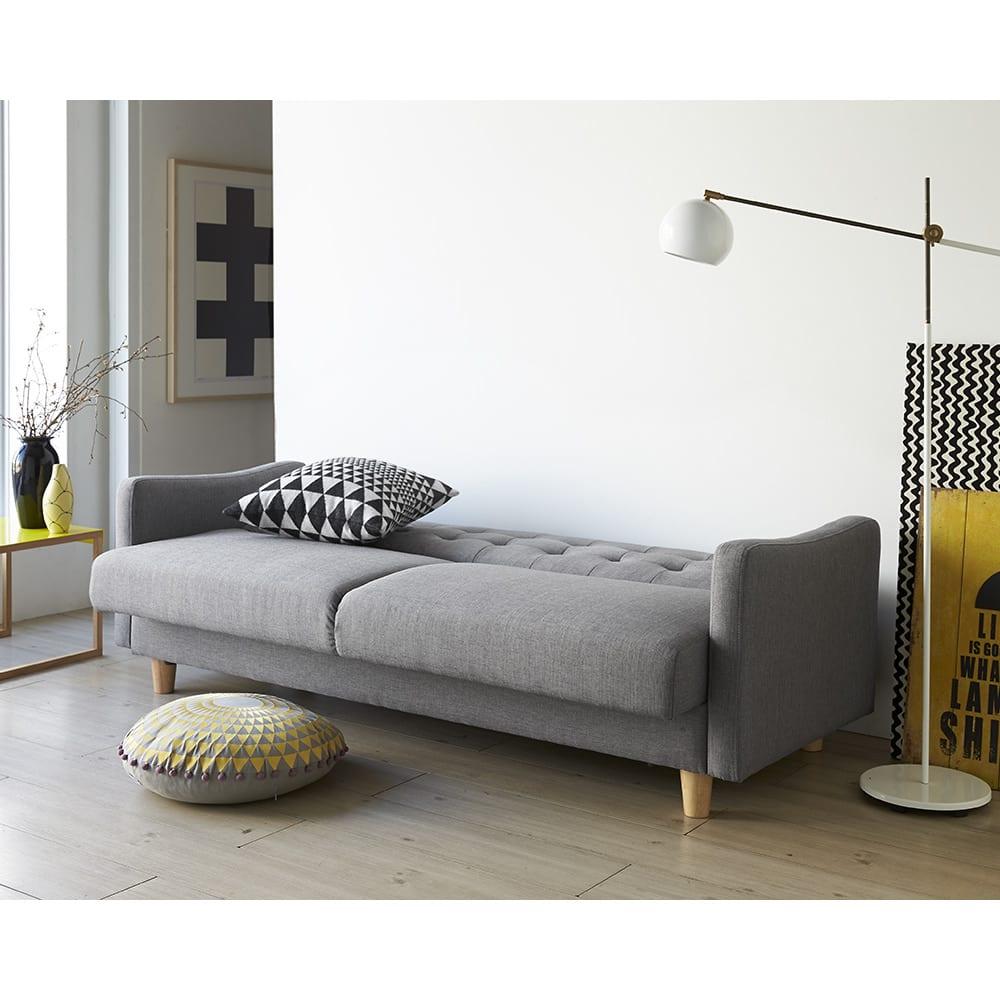 デザインにこだわったソファベッド 幅176cm奥行70cm 肘掛けのゆるやかな曲線も、ウェルデザインです。