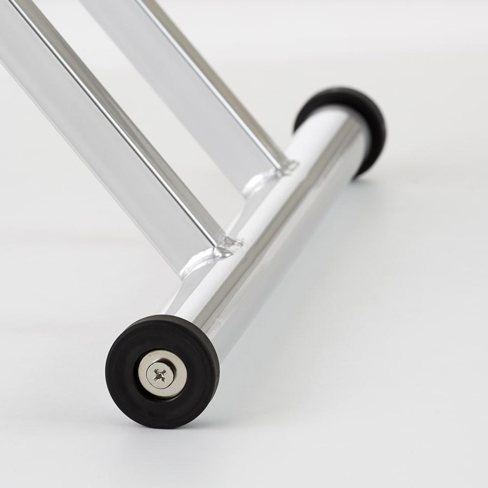 棚付き昇降式テーブル 幅102(天板90)cm キャスター付きなのでお掃除の際などの移動に便利です。