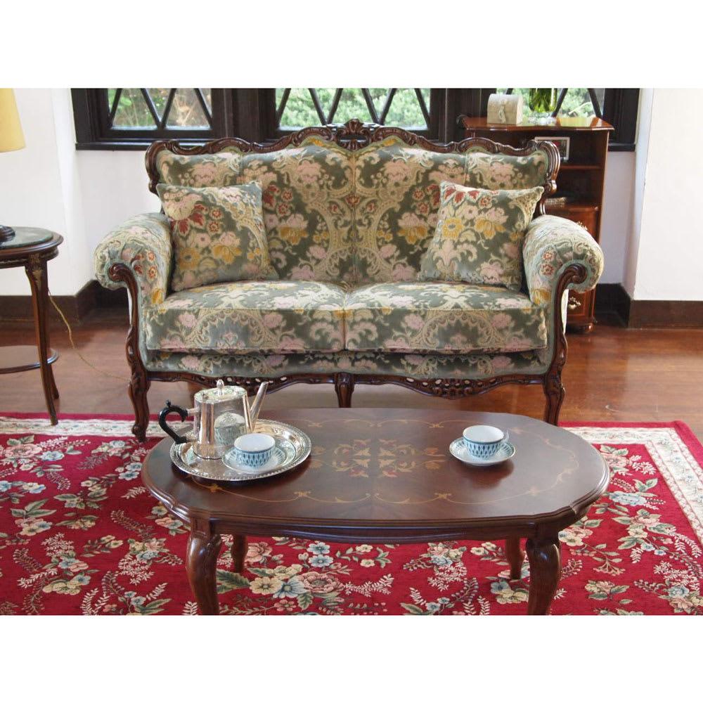 イタリア製 花柄が艶やかな金華山織張 DXソファ ラブ(2人掛け) リビングソファとしてちょうどよいサイズです。