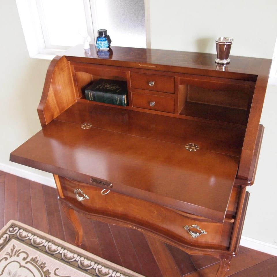 イタリア製象がん収納家具 ライティングデスク(パソコンデスク) 鍵を開けて、扉をオープン。