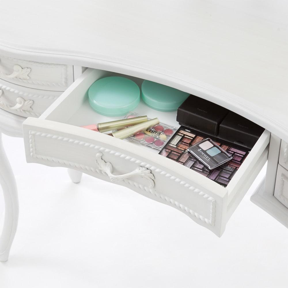 シャビーシック ホワイト フレンチ収納家具シリーズ ドレッサー 迷子になりがちな化粧品も便利に整理整頓できます。