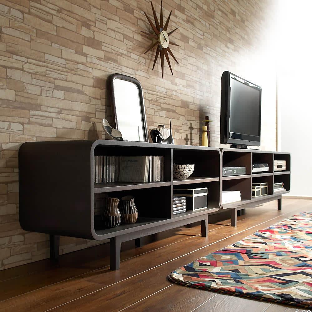 曲面加工のラウンドシェルフシリーズ テレビ台2段3連 幅165cm 高さ52cm脚付きタイプ 空間をおしゃれに彩る曲線美。