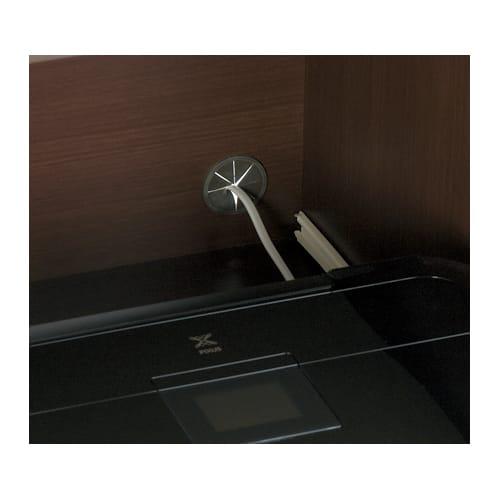 場所にぴったり大収納力デスク 幅95~165.5cm 扉の内部に配線用のコード穴付き。
