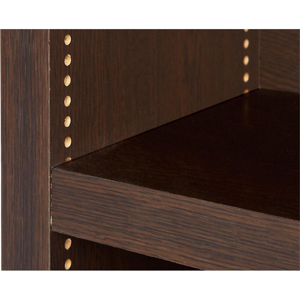 天井突っ張り式がっちりすっきり壁面本棚 奥行30cmタイプ 1cm単位高さオーダー 幅120cm・高さ207~259cm 棚板1cmピッチ 可動棚は1cmピッチで調節が可能。本の高さやお好みに合わせて細かく対応します。