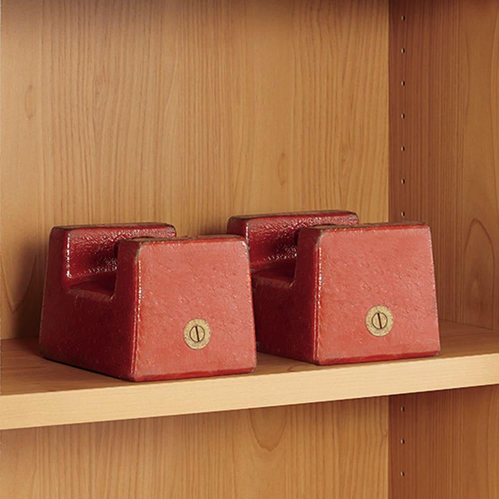 組立不要 アルダー引き戸頑丈本棚 幅120.5cm 上置き 棚板一枚当たりの耐荷重「約30kg」で頑丈な造り。