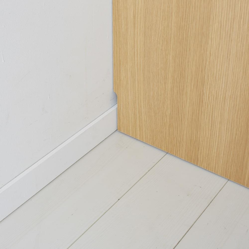 鍵付き本棚ロータイプ 幅60奥行45高さ87cm 幅木対応で壁にぴったり設置できます。