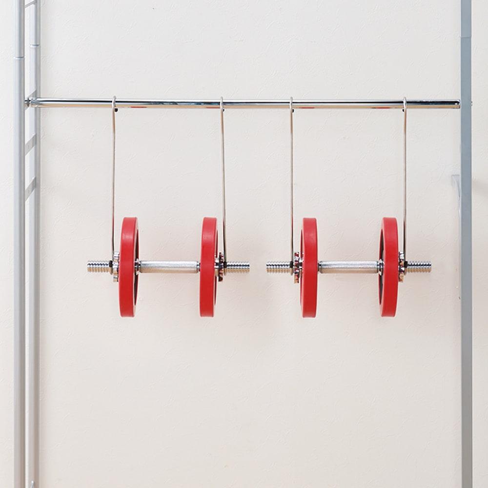 ウォークイン突っ張りハンガー 幅111~200cm・ロータイプ(高さ185~245cm)・カーテンなし 【強度試験をクリアした品質】頑丈な肉厚パイプを使用しているので、たっぷり収納。洋服を思い切り掛けられます。(※イメージ)