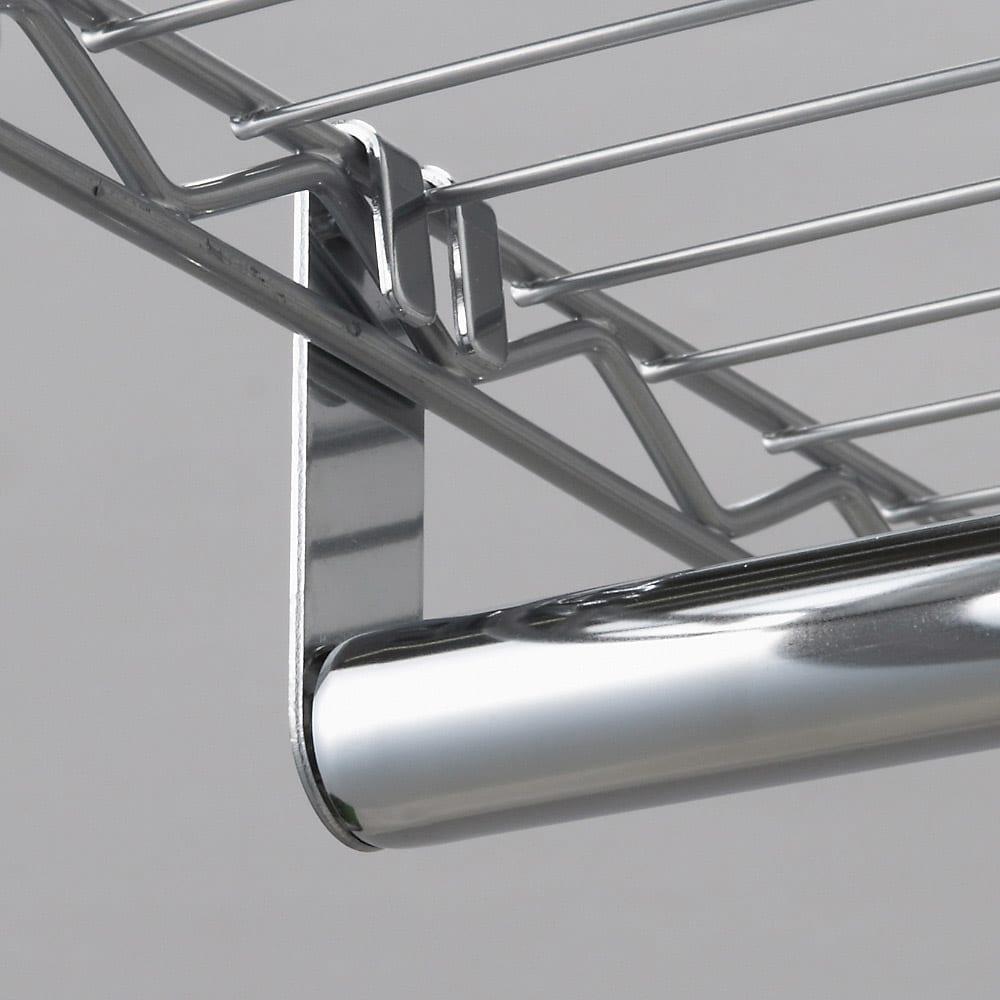 洗えるカバー付き 頑丈ハンガーラック ロータイプ・幅121cm ハンガーの取り付けも棚に引っ掛けるだけなので簡単です。