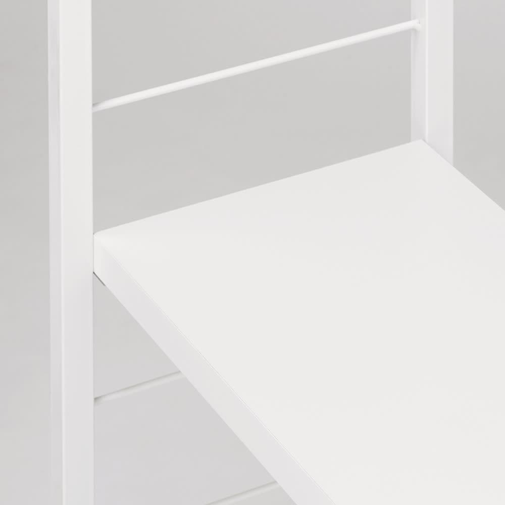 突っ張り式カスタムオープン ワードローブ ハンガー1段&棚3枚 幅91cm (ア)ホワイト スチールパイプと棚板の色をコーディネートしたデザイン。