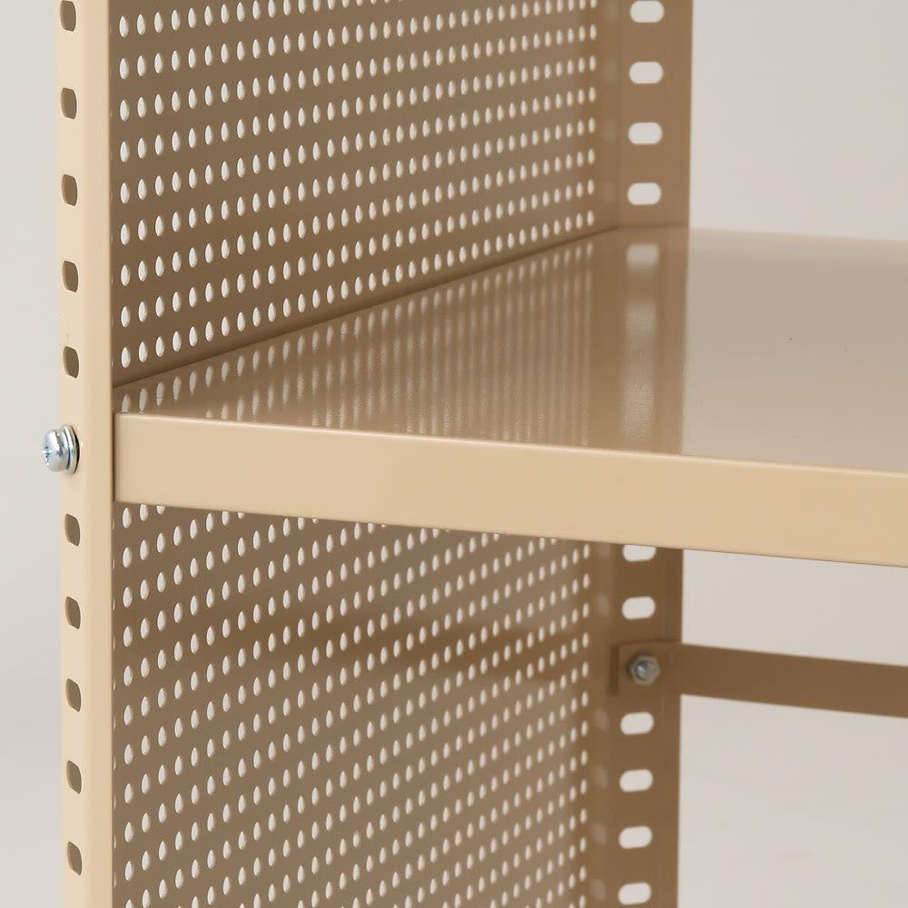組み立て簡単 頑丈パンチングワゴン パンチングタイプ 幅35.5奥行75.5高さ64.5cm 棚板は2cm間隔で自由に設定可能!