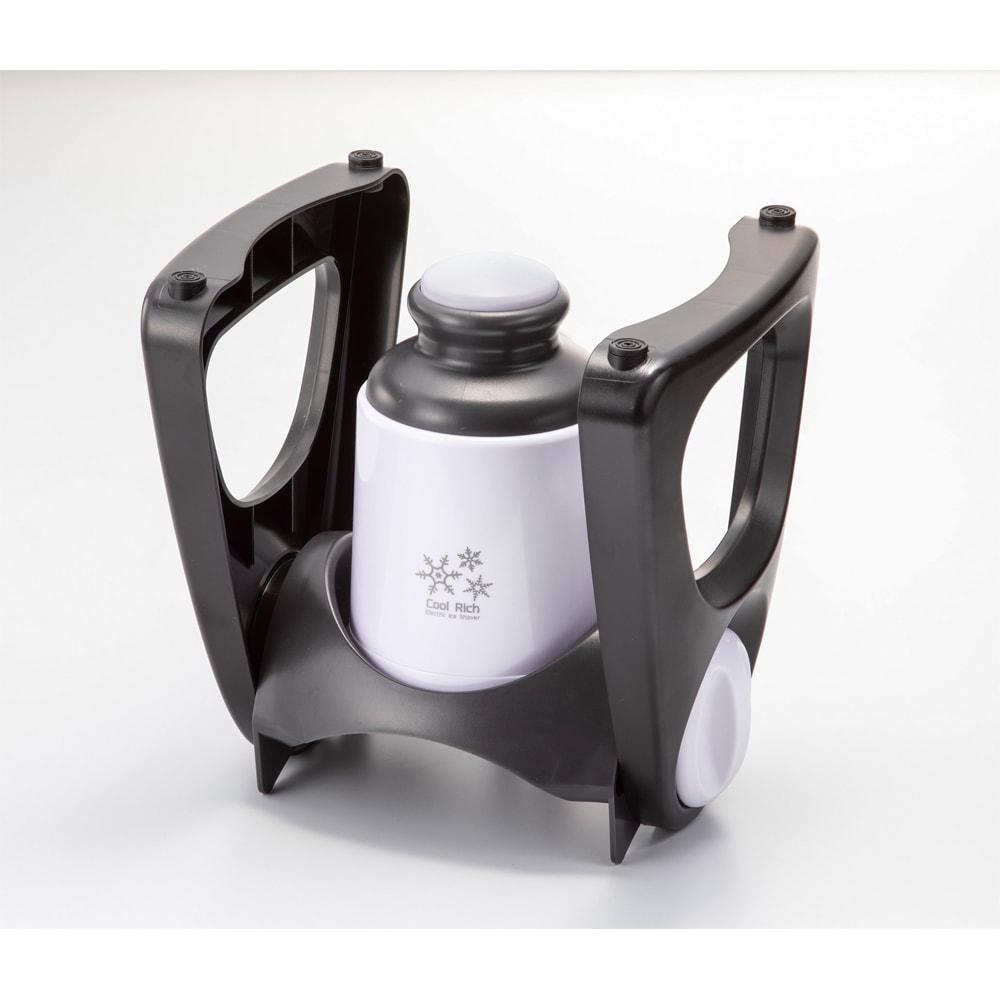 電動かき氷器 シロップスプーン付き 収納時