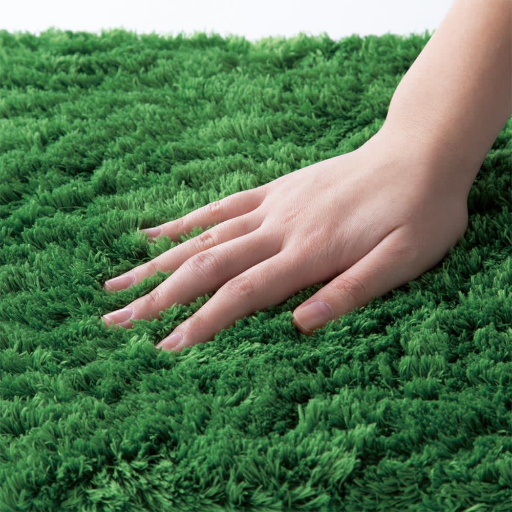 マイクロファイバークッション同色4枚組 毛足は長く、約20mmで高密度。