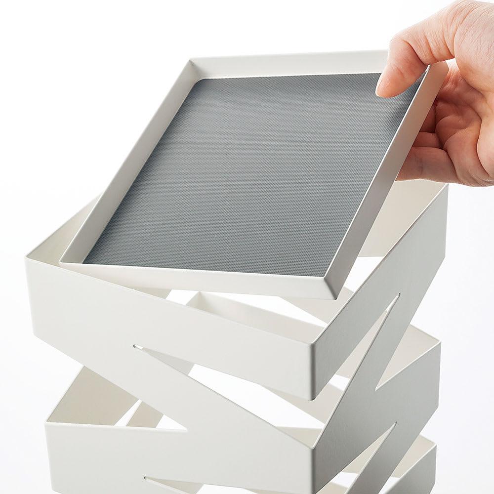 デザインアンブレラスタンド 受け皿は取り外し可能。