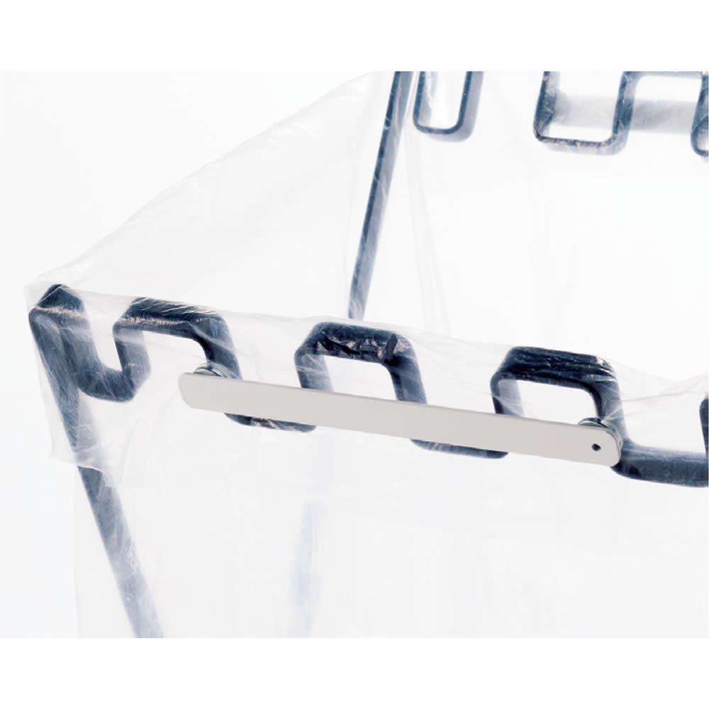 フタが閉じられる 分別ダストスタンド マグネットで袋のズレを防止。