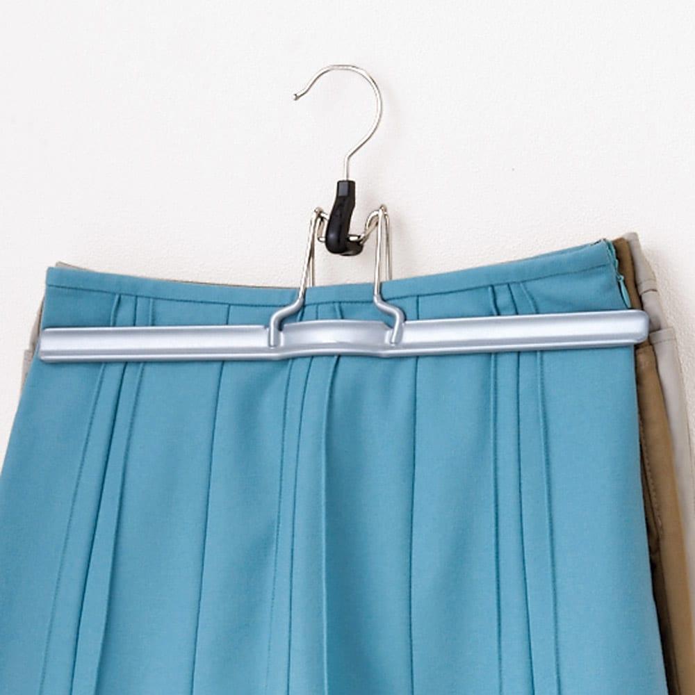MAWA(マワ)ハンガー クリップタイプ 5本組 (イ)シルバー スカートやパンツをワンタッチで掛けられ、収納力アップ。外しても跡が残りません。