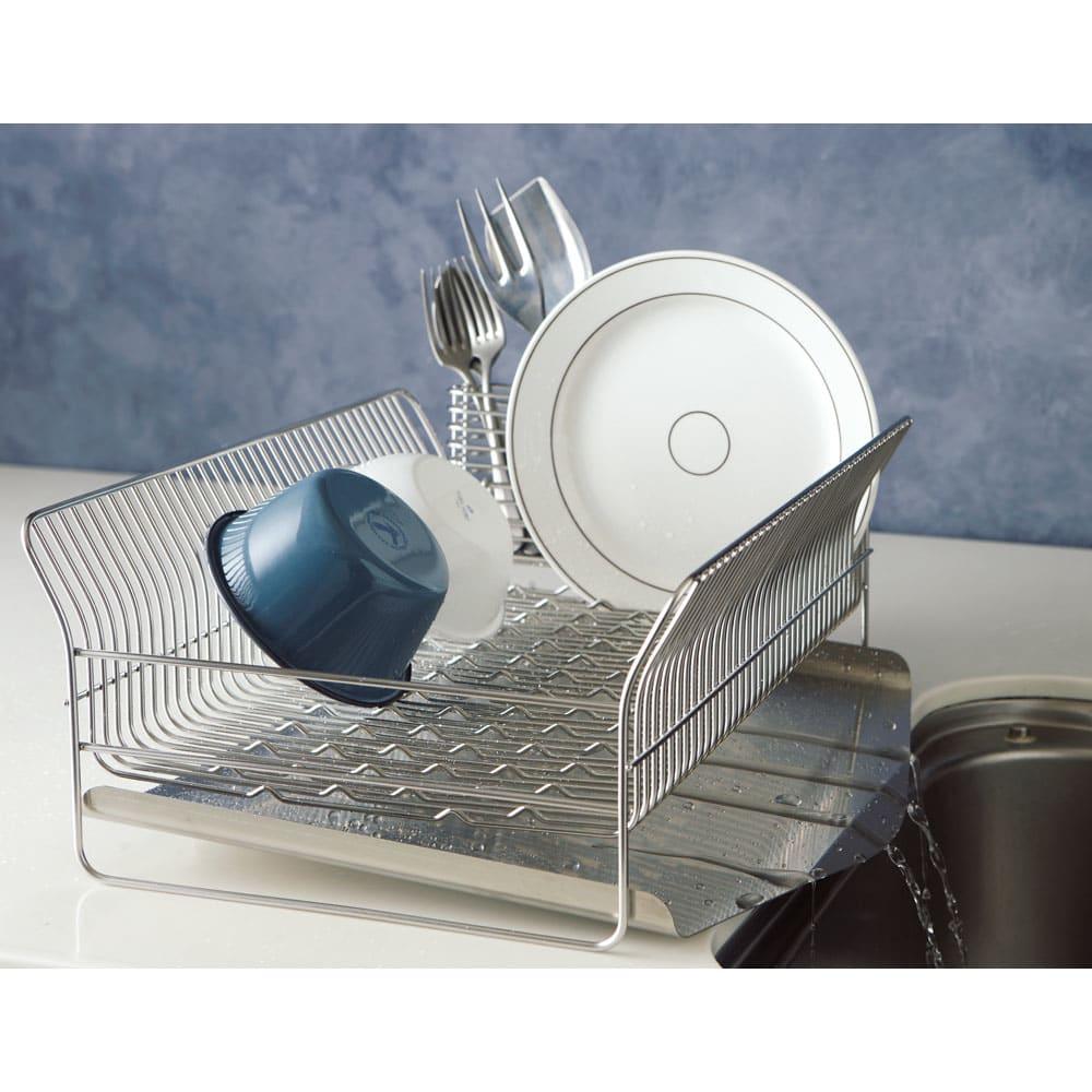 ハナウタ 皿を縦にも横にも置ける水切り (イ)たて置き