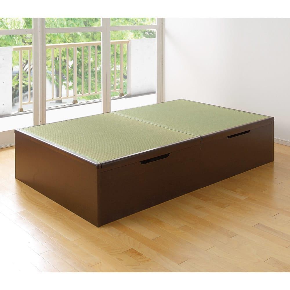 絨毯のような長いモノも収納できる!跳ね上げ式収納畳ベッド ヘッドレスタイプ(高さ41cm) 洋の部屋にほっと息抜きのできる落ち着いた畳の空間を。部屋も片付きすっきり。 写真はヘッドレスのセミダブルサイズです。
