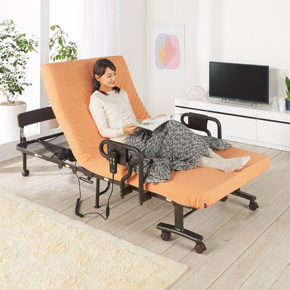 継ぎ目のないマットレスの収納式折りたたみ電動ベッド カバー付き (ア)オレンジ モデル身長164cm
