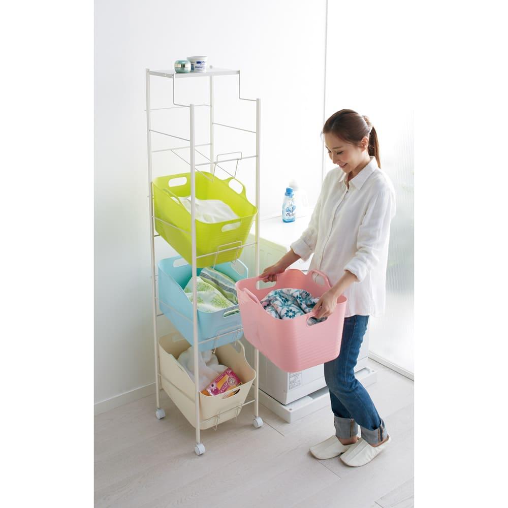 洗濯物の仕分けに便利 大きなバスケットのランドリーワゴン 4段 (ア)マルチ 家族の洗濯物やバスタオルの分別に便利な収納力たっぷりの4段タイプです。