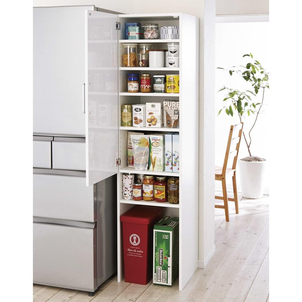 ゴミ箱上を活用できる下段オープンすき間収納庫 幅45cm (左開き取付時)※ゴミ箱は商品に含まれません。