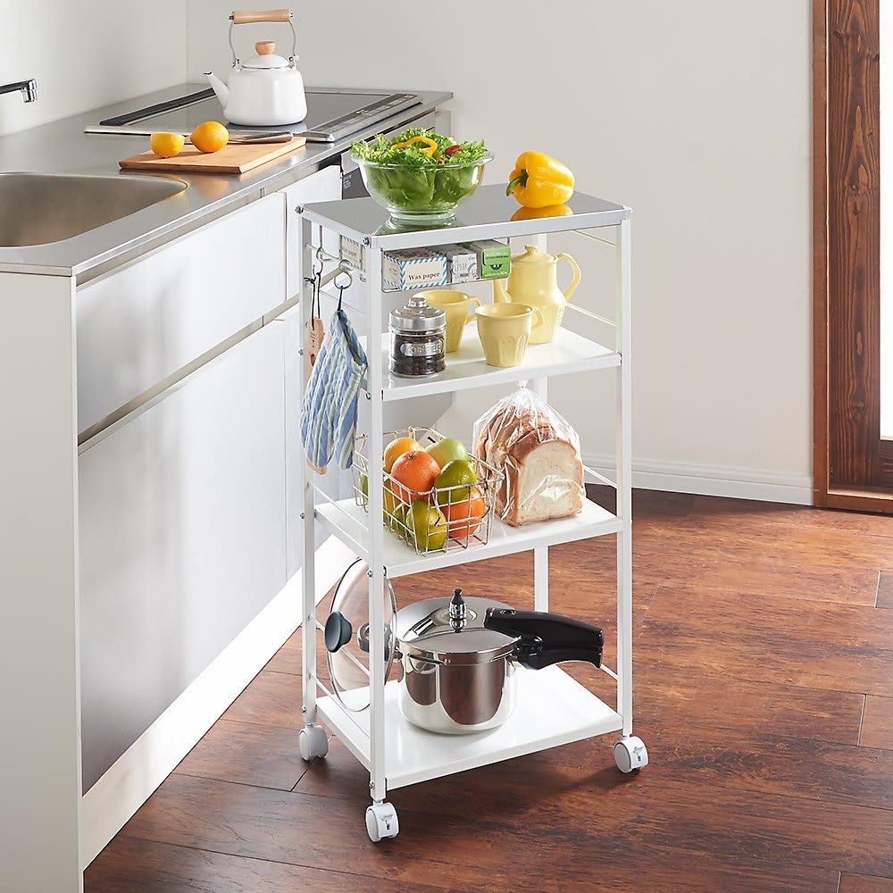 ステンレス天板頑丈キッチンワゴン 幅45cm コーヒーやパン、フルーツを入れておけば、忙しい朝も朝食の準備が楽にできます。