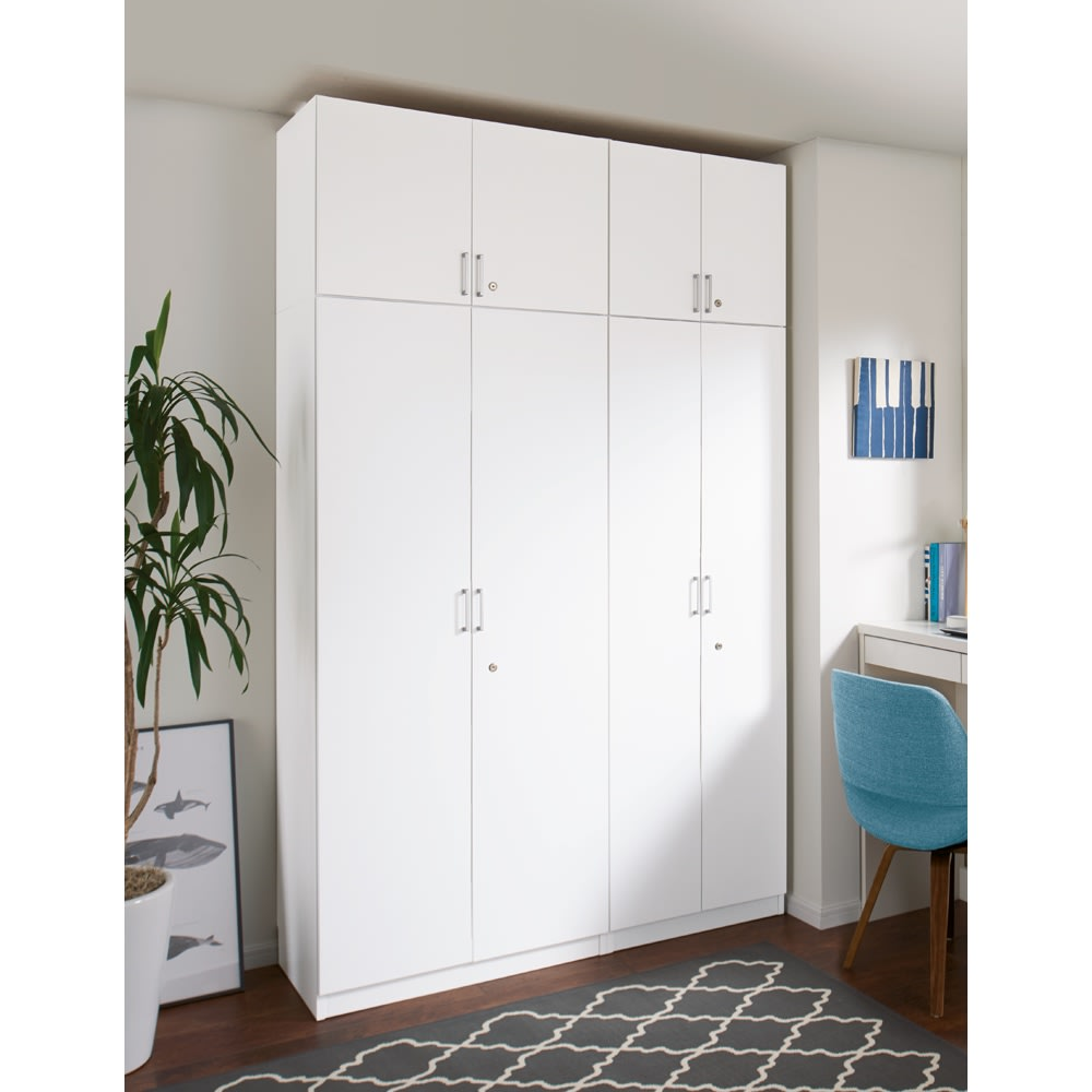 鍵付き本棚ハイタイプ 幅80奥行45高さ180cm 商品イメージ:(ア)ホワイト ※お届けの商品は左側の幅80cmハイタイプです。※写真は上置き(別売り)を使用しています。 天井高さ240cm