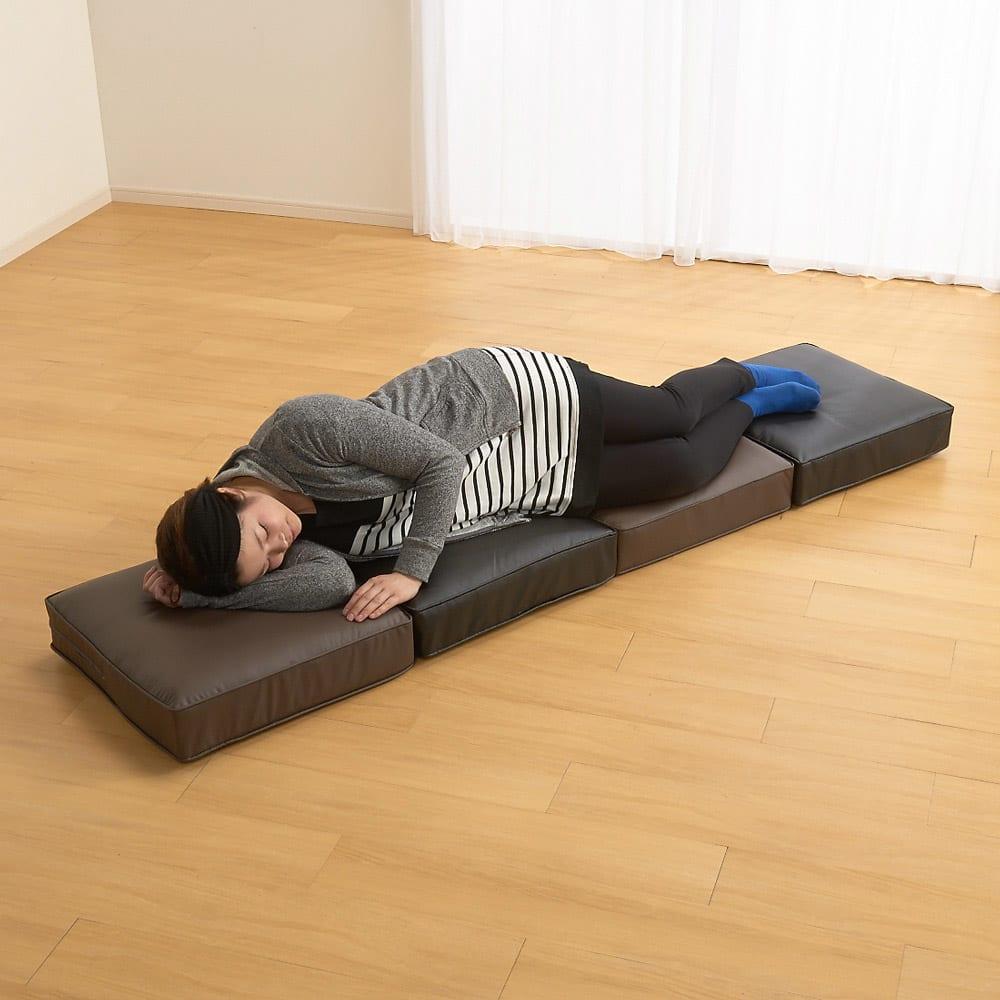合皮シンプルモダン座布団 角型・お得な同色4枚組 一列に並べれば簡易ベッドにも。
