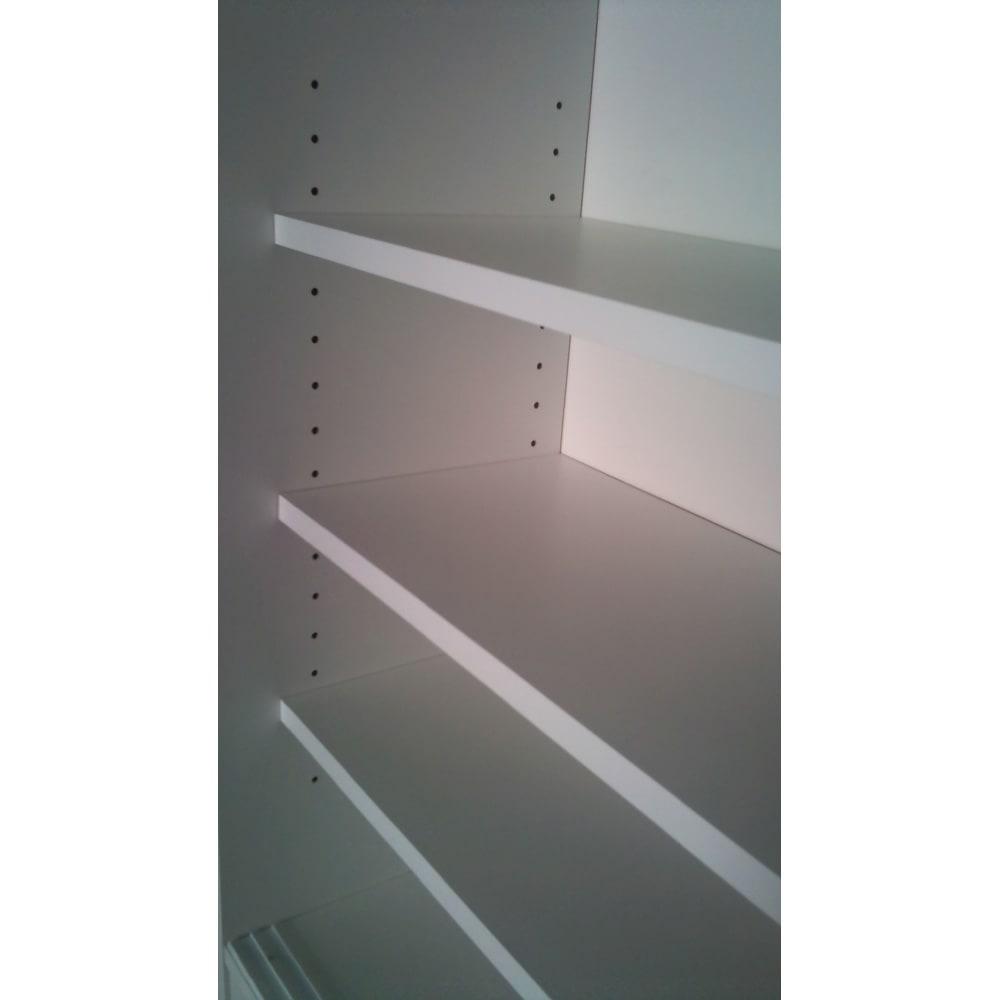ストレートライン カウンター下引き戸収納庫 幅120 奥行30cmタイプ 可動棚は3cm間隔調節、17段で調節可能です。  ※棚板奥行(有効)内寸:23(23.5)cmです。