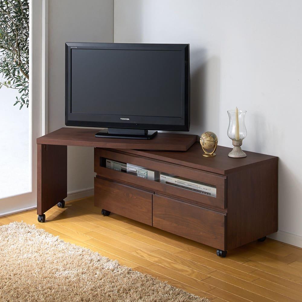 アルダー天然木ユニットボード キャスター付きテレビ台 幅106cm (イ)ダークブラウン 別売りのネストボードを組み合わせての使用イメージ。