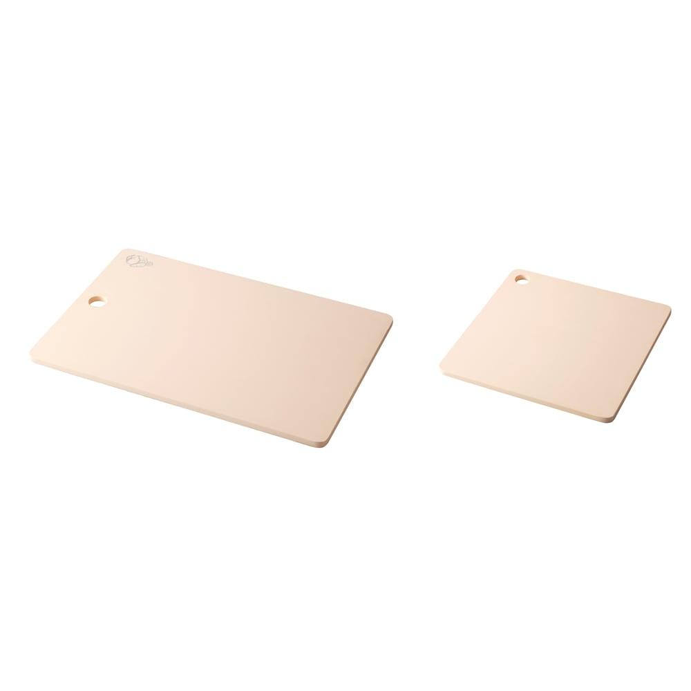プロも納得 抗菌力が持続する軽くなったまな板パルト お得用2点セット コンパクト+スクエア 左からコンパクト、スクエア