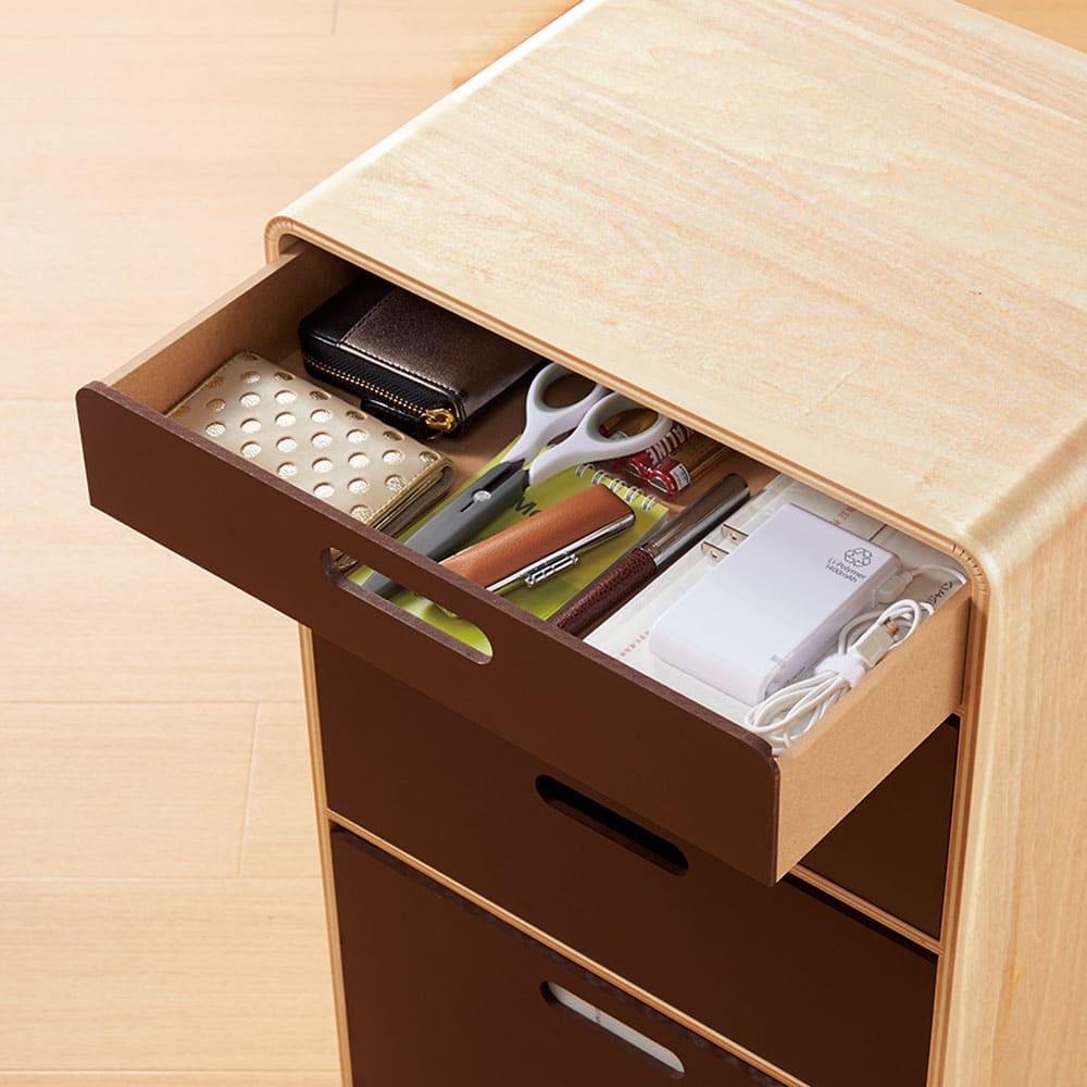 北欧風 曲げ木リビングワゴン チェスト チェスト上段・浅引き出し(内寸深さ約5cm) リモコンやカード、印鑑など頻繁に取り出すものを。