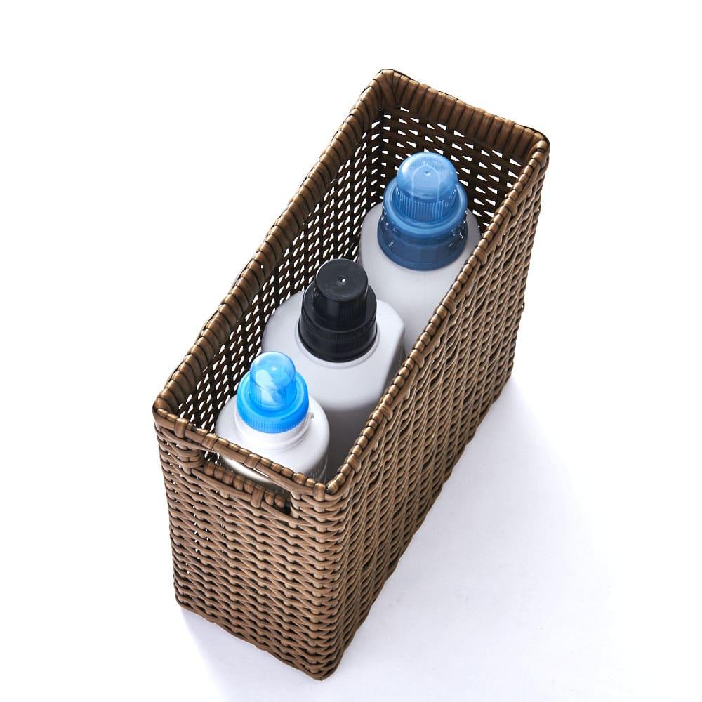 ラタン風 ランドリーチェスト すき間スリム4段(幅15・奥行31・高さ80cm) 洗剤のボトルも隠して収納できます。