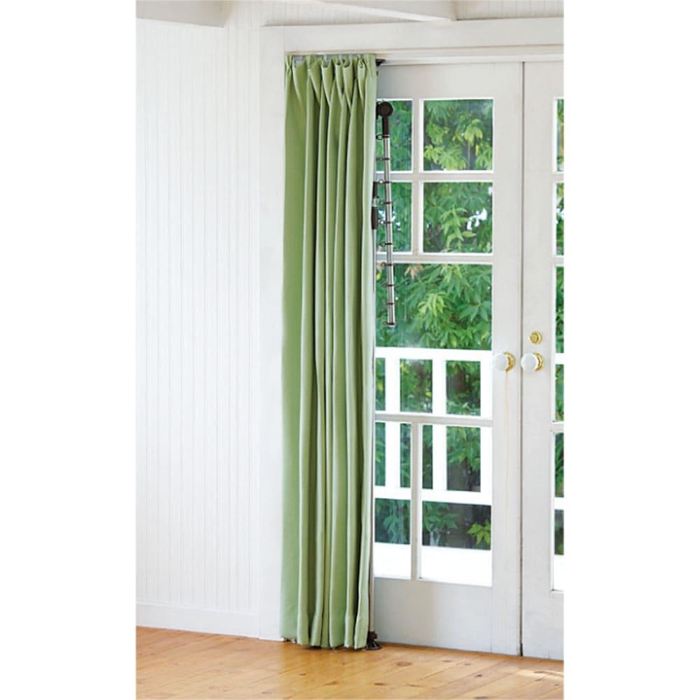 「どこでもポール」ワンタッチつっぱり物干し アーム2本(屋内・屋外兼用)天井高168~280cm対応 窓枠に設置すれば、使わない時はカーテンで隠せるのですっきり。