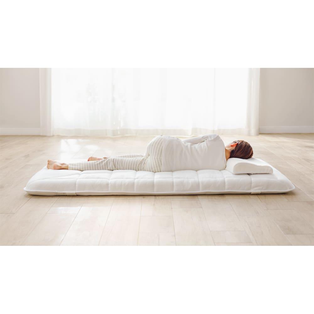 ブリヂストン ボリューム高反発敷布団 ふかふかでボリュームたっぷり、贅沢な寝心地。なのに、沈み込まずに全身をしっかり支えて寝返りもサポートしてくれます。