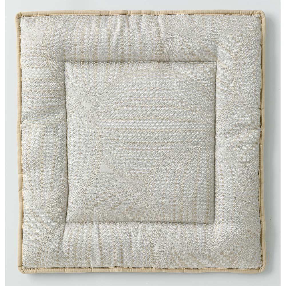 スペイン製ジャカード織りシートクッション (ア)ベージュ系・表(写真は約48×45cm)