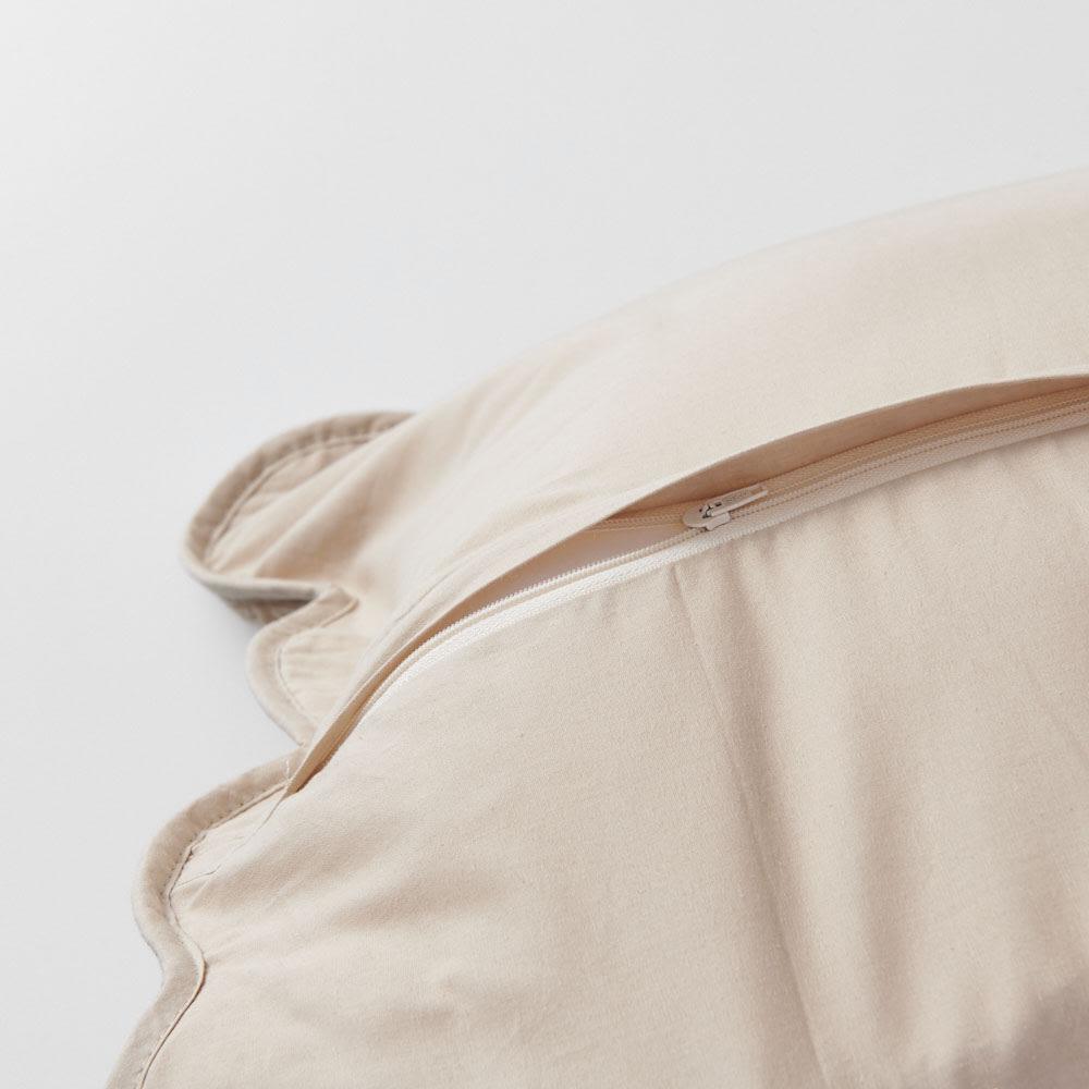 コットンキルトカバー クッションカバー(同色2枚組) 裏面にかぶりファスナー付き。