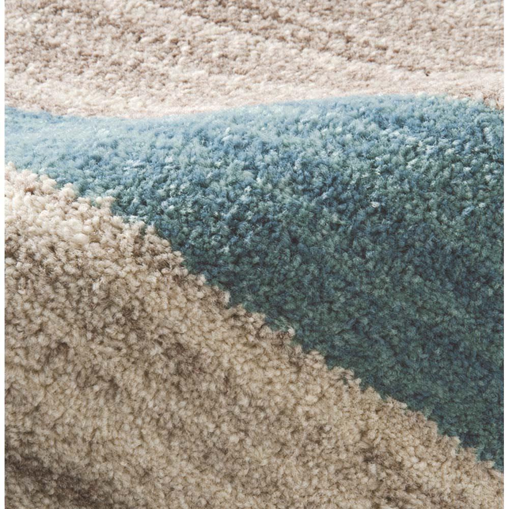 ベルギー製ギャッベ柄 ラグ 素材アップ:(ア)ブルー系  目の詰まったウィルトン織りで、しっかりとした踏み心地。