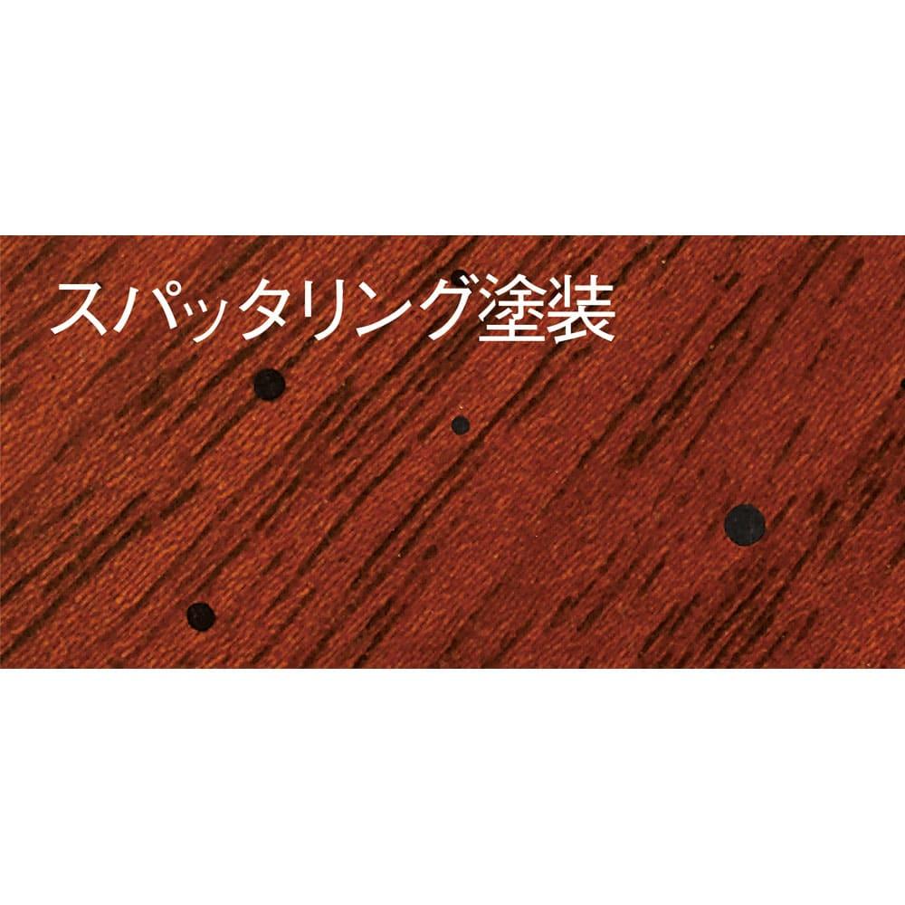 ベネチア調象がんシリーズ ダイニングテーブル・幅135cm 一つ一つの象がん細工は、職人の熟練した手仕事による小さな芸術。スパッタリング(黒点)塗装を施すことでクラシック家具の味わい深い趣を表現しました