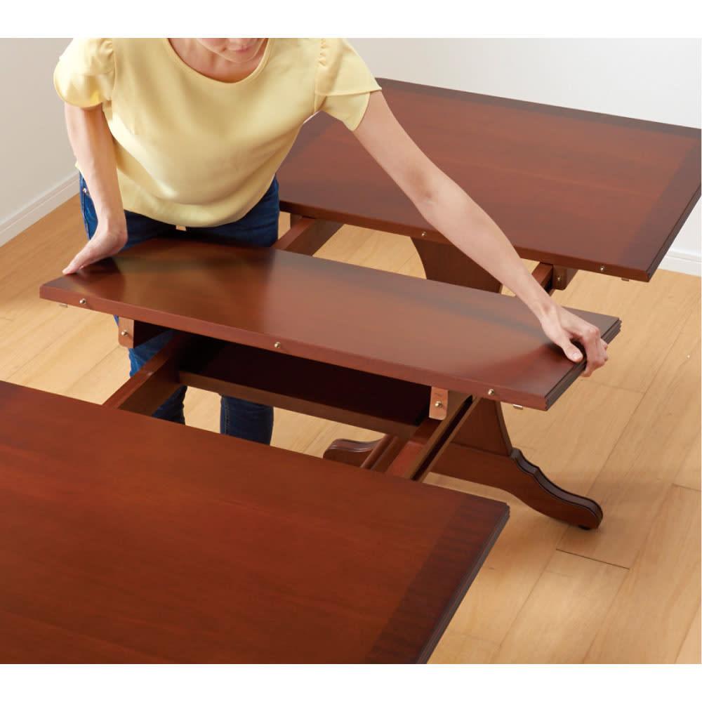 ベネチア調象がんシリーズ 伸長式ダイニングテーブル 伸長時は、内側の伸長用天板を取り出してセット。