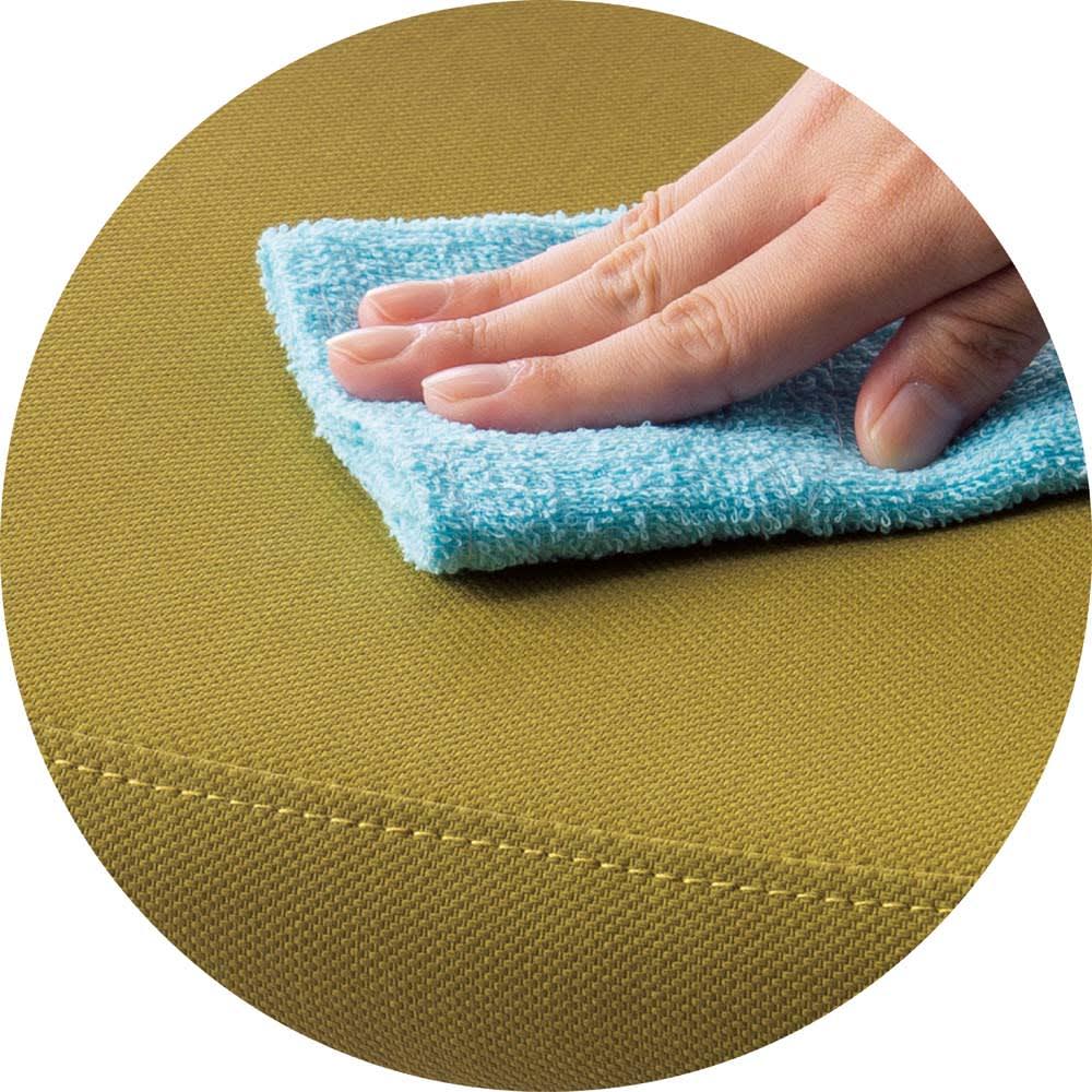 角が丸くて優しい天然木ダイニング ベンチ・幅101cm 合成皮革なので汚れてもお手入れ簡単。